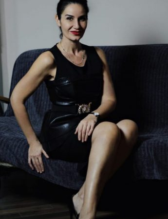 In questa foto la lookmaker Sonia Sangiorgio
