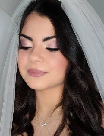 In questa foto un trucco sposa con toni freddi di Francesca Massaro