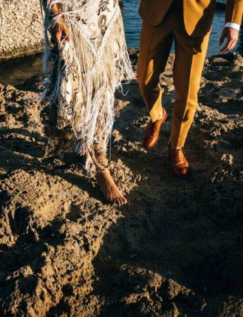 Foto di Avenir Wedding Films - una foto che ritrae i piedi degli sposi