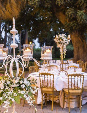 In questa foto l'allestimento di un ricevimento di matrimonio a Villa La Limonaia ad Acireale
