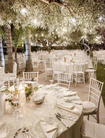 In questa foto un ricevimento di nozze nel giardino di Villa Rigoletto a Belpasso