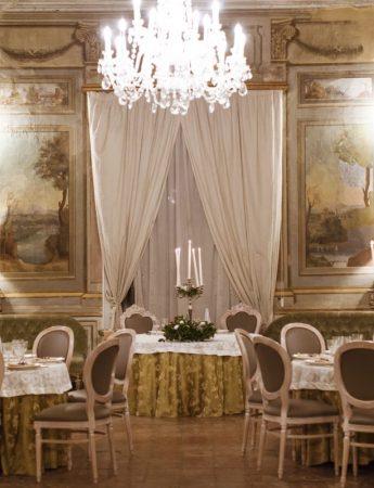 In questa foto la sala interna di Villa Boscogrande a Palermo