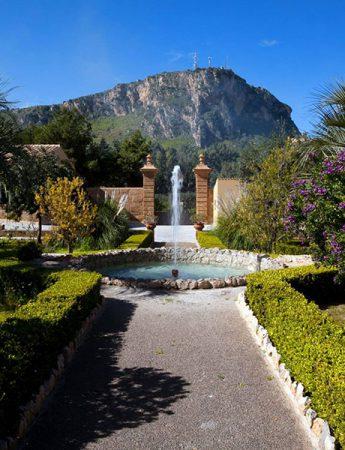 In questa foto il parco di Palazzo Villarosa a Bagheria