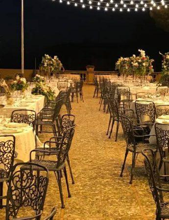 In questa foto un allestimento sulla terrazza di Palazzo Villarosa a Bagheria