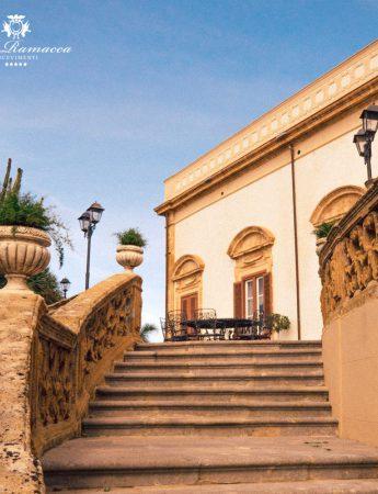 In questa foto la scalinata esterna di Villa Ramacca a Bagheria