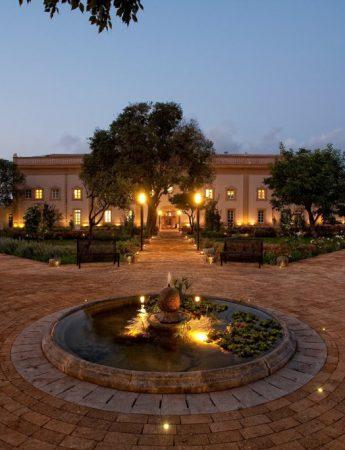 In questa foto il giardino storico di Villa Bonocore Maletto a Palermo