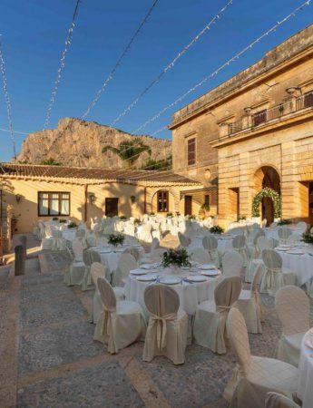 In questa foto un matrimonio a Villa Dominici a Palermo